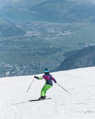 Angenehm kühl ist es beim Skilaufen oben am Kitzsteinhorn.