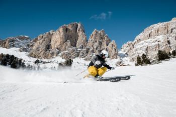 Mit der direkten Skiverbindung warten hier 500 Abfahrtskilometer.