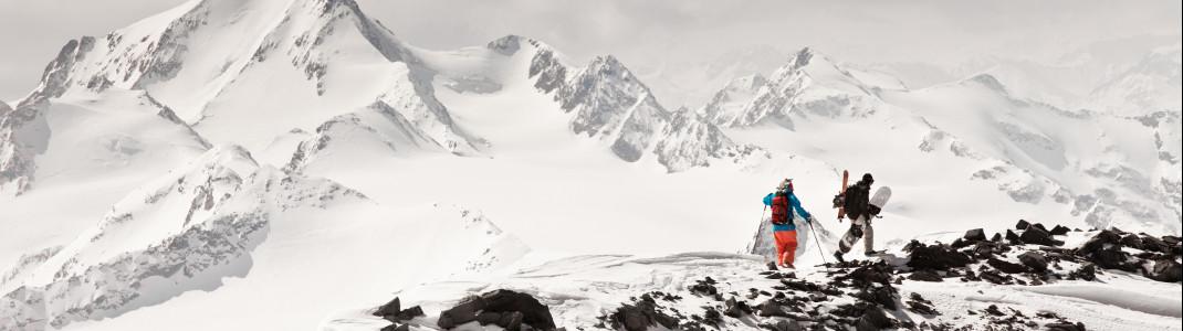 Am Pitztaler Gletscher genießen Tourengeher Aufstiege bis auf 3.774m Meter.