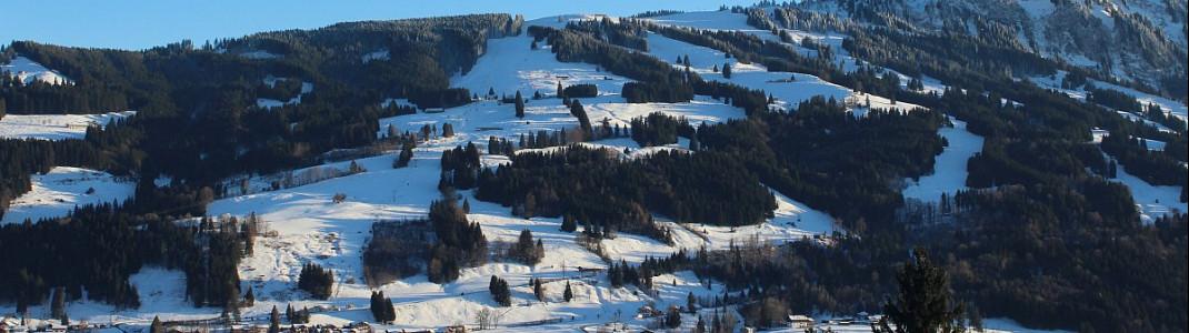 Der Einstieg ins Skigebiet der Grüntenlifte befindet sich in Kranzegg.