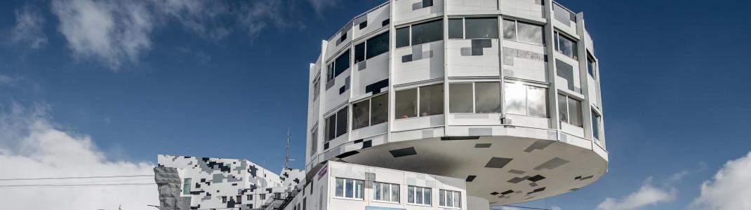 In 'Digital Camouflage'-Optik wurde die Außenfassade bereits neu gestaltet.