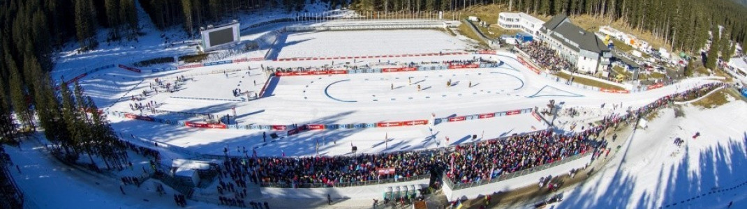 Auf 1300 Höhenmetern liegt das Biathlonstadion von Pokljuka in Slowenien.