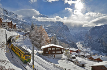 A narrow-gauge railway takes you from Lauterbrunnen to Wengen.