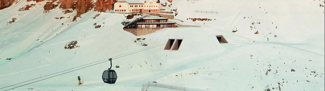 Nur die Ein- und Ausgänge sind von der neuen Bergstation der König-Laurin-Bahn in Carezza zu sehen.