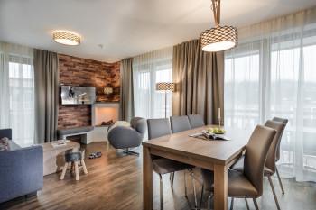 Die modernen Apartments sind in alpinem Stil eingerichtet.