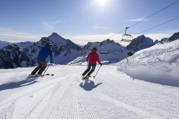 Panorama-Fans sind im Tannheimer Skiort Grän genau richtig