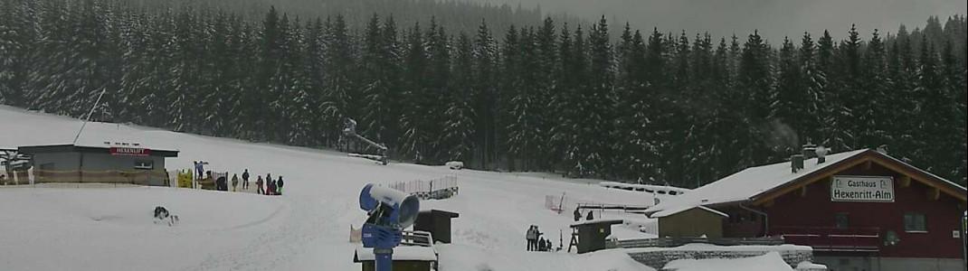 Am Wurmberg bei Braunlage im Harz war am Freitag nur der Bereich am Hexenritt geöffnet. Weiter oben im Skigebiet gab es Sturmschäden. (Webcambild vom 19.1.)