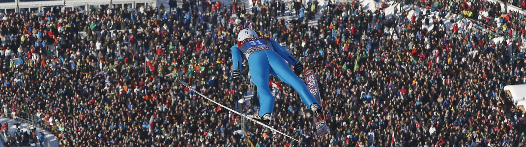 Die spektakulären Springen der Vierschanzentournee ziehen Zehntausende Zuschauer an.