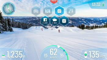 Im Visier werden Infos wie Geschwindigkeit, Höhenmeter und Navigation angezeigt.