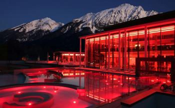 In der RupertusTherme in Bad Reichenhall kannst du während deines Skiurlaubs herrlich entspannen.