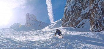 Eine der Freeride-Runs am Stubaier Gletscher führt von der Nockspitze ins Tal.