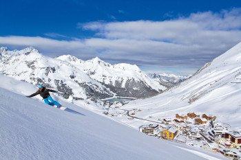 Auf den Kühtaier Almwiesen ist auch bei wenig Schnee bestes Powdervergnügen garantiert.