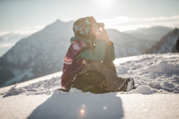 The athletes' preparation: Observing the slope from a distance, as the Freeride World Tour does not include training sessions.