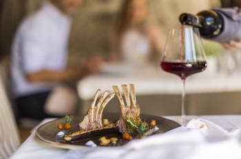 Die Vitalpina Hotels setzen sowohl kulinarisch als auch in Sachen Wellness auf regionale Produkte.
