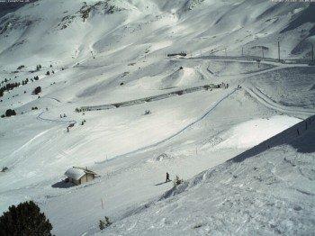 Im Skigebiet Wengen herrschen Top Bedingungen - hier ein Blick auf die Passhöhe Kleine Scheidegg