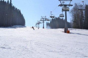 12 Pistenkilometer können Skifahrer in Karlov entdecken.