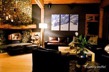 Übernachtet wird in gemütlichen Lodges mitten in den Bergen
