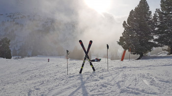 Bei Unfällen spielen Skihelme versicherungstechnisch eine wichtige Rolle.