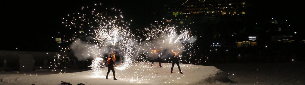 """Pyrotechnik, Lichtspektakel und beeindruckende Stunts - das erwartet die Besucher bei """"Hochfügen Nacht"""""""