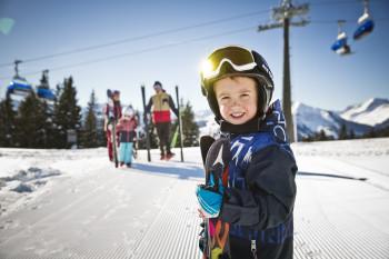 Im Skicircus Saalbach Hinterglemm Leogang Fieberbrunn entdecken Kinder spielerisch den Spaß am Wintersport