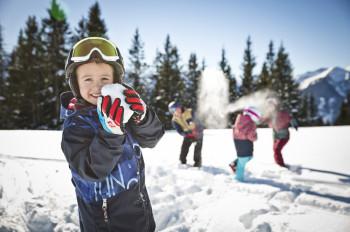 Winterwandern, Schneeballschlacht und vieles mehr - Saalbach Hinterglemm bietet jede Menge winterliche Freizeitaktivitäten.