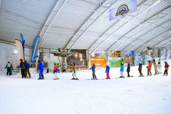 Learning to ski indoors - this is quite normal in the Netherlands, like here at SnowPlanet Amsterdam.