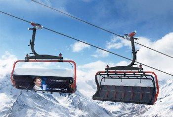 Mit extra breiten Sitzen, Wetterschutzhaube und Sitzheizung bietet die neue Palinkopfbahn hervorragenden Komfort.