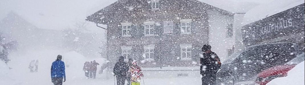 Heftiges Schneetreiben am Sonntag in Lech-Zürs.