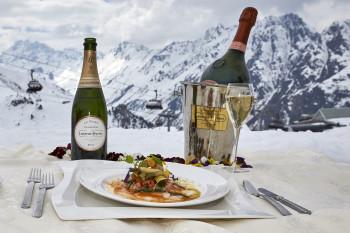 Beim 21. Sternecup der Köche zeigen die Teilnehmer ihr Können auf Skiern und in der Show-Küche.