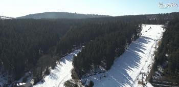 In Winterberg sind die Skilifte in Betrieb.