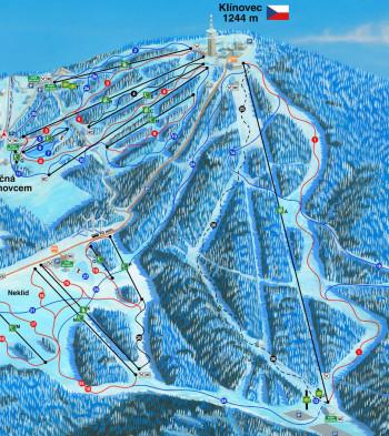 Die blaue Rondo-Piste (24) verbindet Neklid mit dem Skigebiet Klínovec.