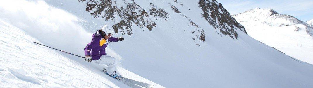 Am Schnalstaler Gletscher kannst von von September bis Mai Ski fahren.