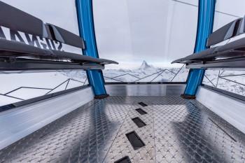 Die geräumigen Kabinen bieten einen tollen Blick auf das Matterhorn.