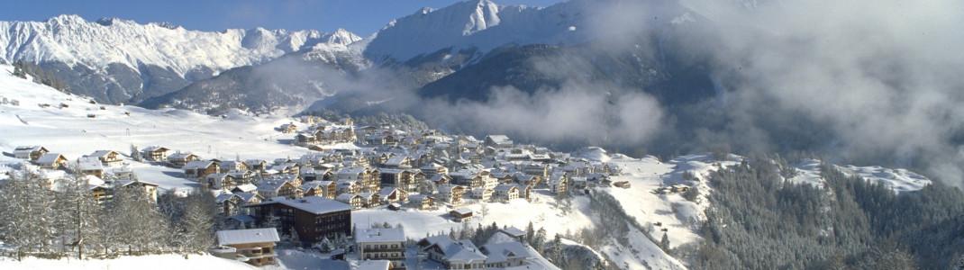 Etwas Schnee liegt auch schon im Ort Serfaus auf 1427 Metern.