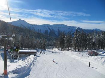 9 Lifte und 34 Pistenkilometer bietet die Skischaukel unweit von Salzburg.