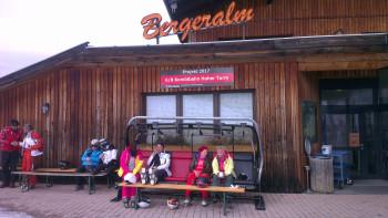 Bereits im Winter 2016/2017 konnten Gäste der Bergeralm auf einem der neuen 6er-Sessel probesitzen.