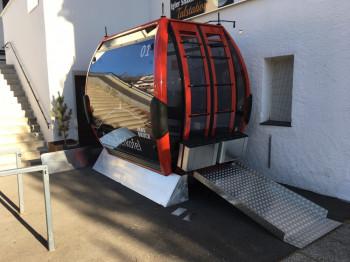 Eine der modernen 10er-Gondeln der neuen Patscherkofelbahn