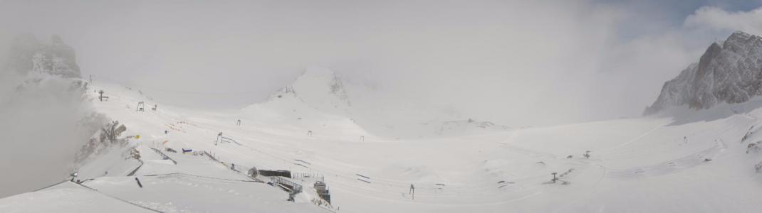 Die größten Neuschneemengen werden am Mittwoch und Donnerstag am Dachstein erwartet. Aber auch am Dienstag (Bild) herrschten im Gletscher-Skigebiet beste Bedingungen, teils sogar mit Sonnenschein.