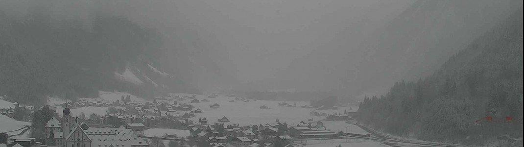 Dunkle Wolken im Tal: Mit am meisten Neuschnee fiel seit Ostermontag in der Schweiz in Engelberg.