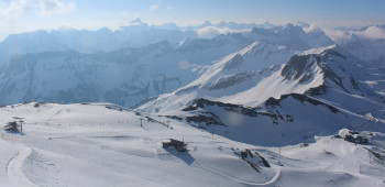 Bis zum Maifeiertag kann man noch am Nebelhorn in Oberstdorf Skifahren.