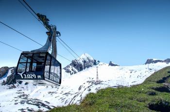 Am Kitzsteinhorn im Salzburger Land liegt noch jede Menge Schnee. Ab 29. Mai kann man dort wieder Skifahren.