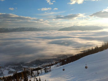 Viele nordamerikanische Skigebiete, wie Kicking Horse, setzen in dieser Saison auf Kapazitätsbeschränkungen.