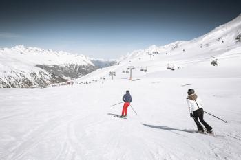 Breite Pisten oberhalb der Baumgrenze prägen das Skigebiet Obergurgl-Hochgurgl.