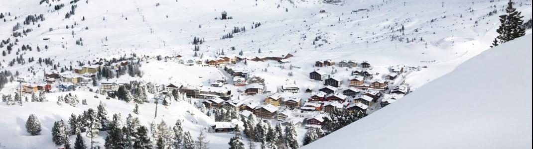 Sicht auf den rund 1.630 Meter hochgelegenen Talort Obertauern von der Gamsleiten 1 aus.