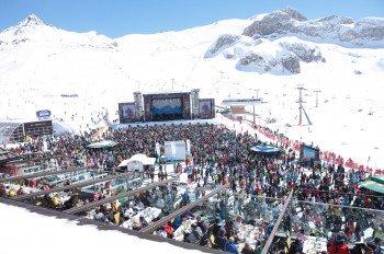Legendär: Die Top of the Mountain Konzerte auf der Idalp im Skigebiet Ischgl.