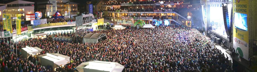 Zum Ski-Opening werden im WM-Park Planai tausende Fans erwartet.