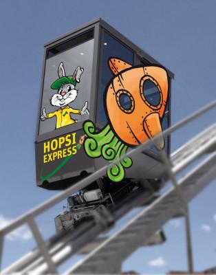 Natürlich darf Maskottchen Hopsi auf dem neuen Express nicht fehlen.