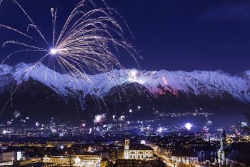 In Innsbruck erlebst du eines der spektakulärsten Feuerwerke der Alpen.