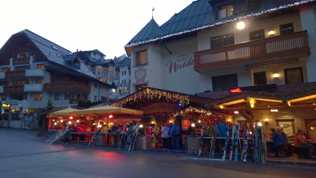 Après-Ski at Ischgl • Review • Nightlife, Bars & Clubs