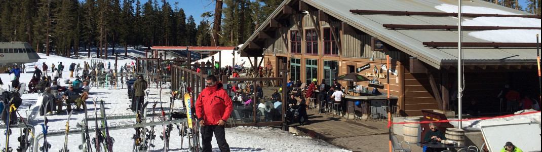 Mill Café's sun deck is perfect to enjoy the Californian sun during a long day on the slopes.